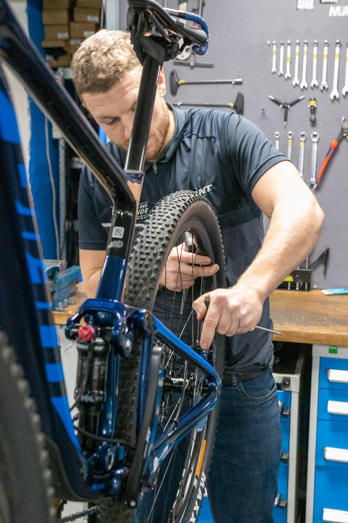 Shimano-fiets-reparatie-almere
